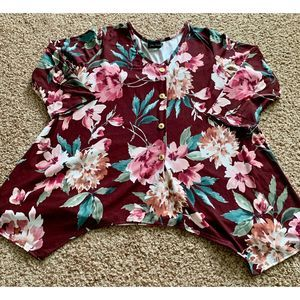 Star Vixen women large red floral button top